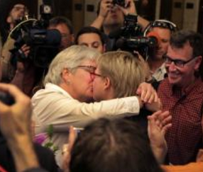 Two Oregon plaintiffs receive license to marry